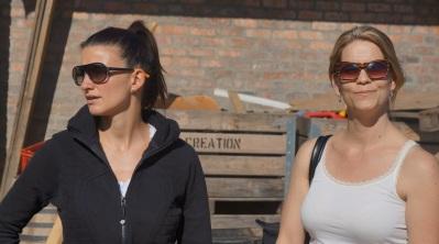 Bad cop, good cop - Québec journalist Jessica harnois and Laurel Keenan of Wines of South Africa