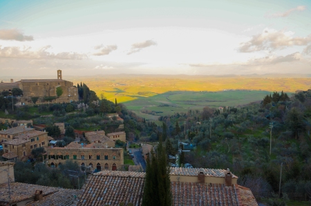 Tuscany - The view south from Montalcino; Photo: John Szabo MS
