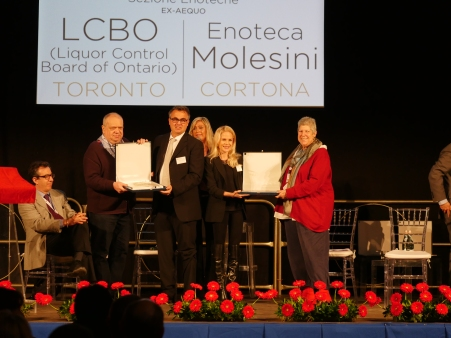 LCBO buyer Colby Norrington receives the award for best foreign Brunello retail assortment (Credit_Brunello Consorzio)