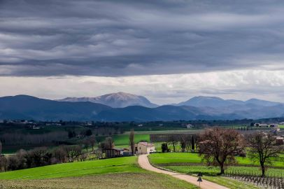 The Umbra Valley surrounded by the Apennines-4346