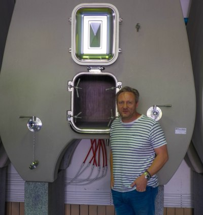 Boekenhootskloof's Mark Kent and his concrete fermenters-7710