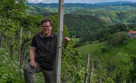 Gerhard Wohlmuth in the Edelschuh Vineyard
